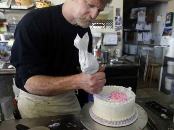 Colorado Cake Artist Jack Phillips goes to United States Supreme Court